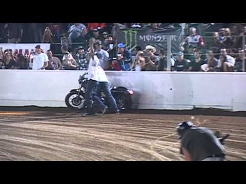 BikeFree.TV Video, Check It Out: Harley Davidson Cruiser Dirt Track Racing