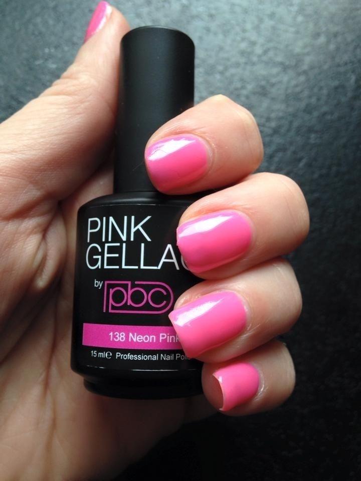 Pink Beauty Club shared Laura Booi's photo. De nagels zijn weer gelakt, 138 Neon Pink
