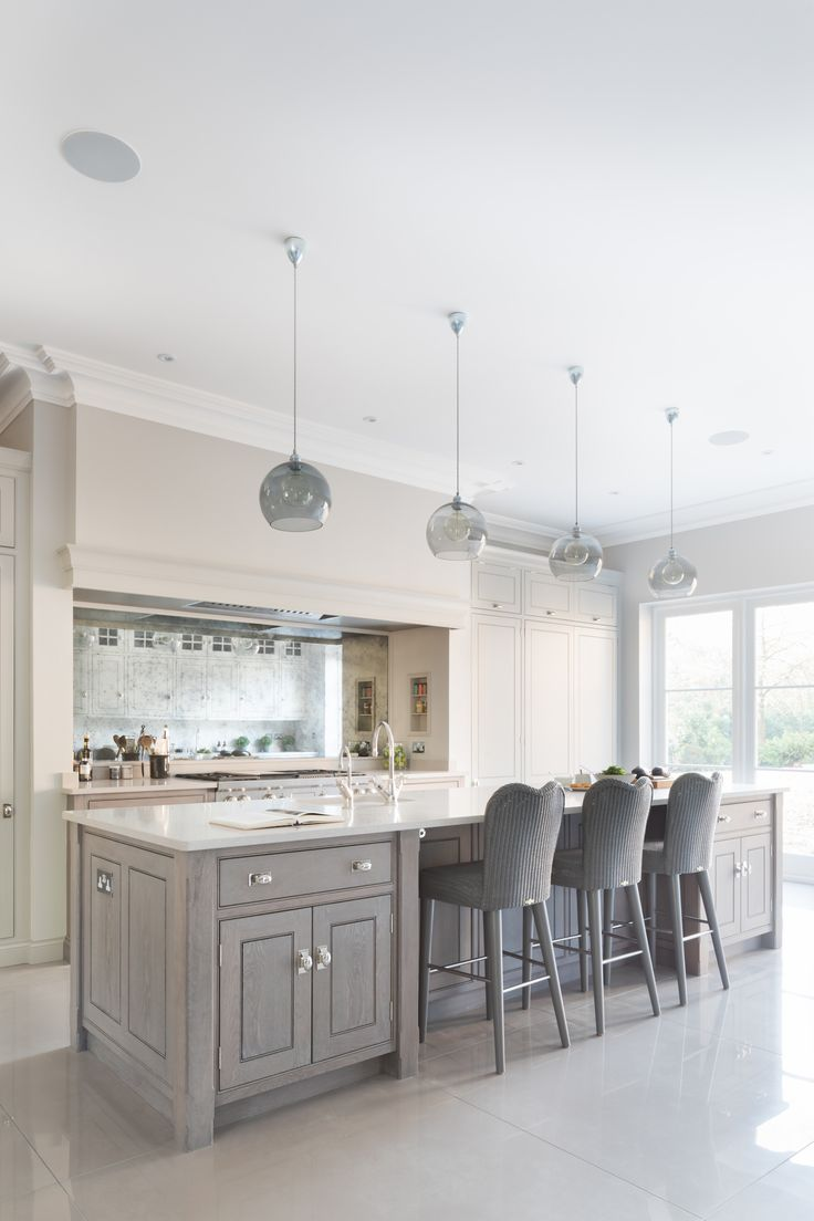 Contemporary Open Plan Kitchen, Theydon Bois - Humphrey Munson Kitchens - Beautiful Handmade Kitchens - Spenlow Cabinetry http://amzn.to/2keVOw4 http://amzn.to/2qVhL6r