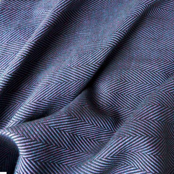 Geweven draagdoek DIDYMOS Lisca Minos is absoluut een prachtige geweven draagdoek. Geschikt voor elke leeftijd en inclusief uitgebreide instructie op DVD.
