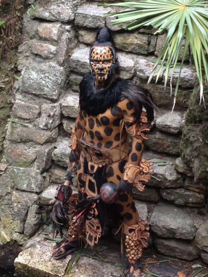 Caballero Jaguar Azteca                                                                                                                                                      Más