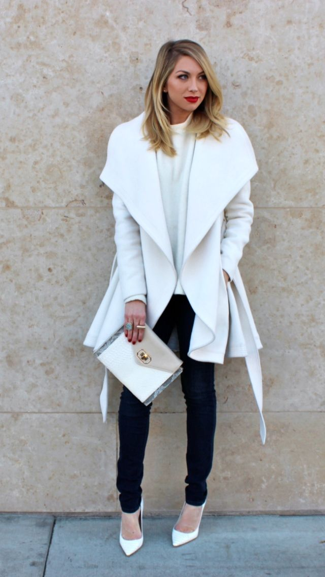 White coat from BCBGMAXAZRIA on the stylish Stassi Schroeder...love the white heels too ❤️