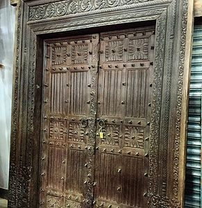 Beautiful Antique Carved Doors Form India   Coming Soon! Tierra Del Lagarto    Scottsdale Furniture