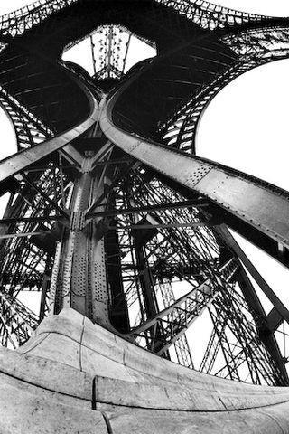 La Tour Eiffel - Lucien Hervé