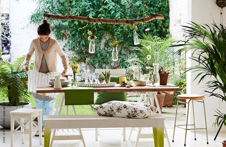 Une table tout en fra cheur ikea terrasse jardin f te de jardin pint - Tables de jardin ikea ...