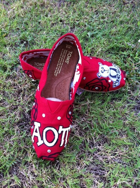 NO way- AOII and TOMS?! OMG!     This has T-Rex all over it! :) <3