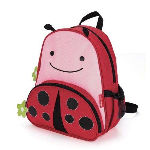 """De ZOO rugzak Ladybug waar plezier en functionaliteit elkaar ontmoeten! Leuke details en duurzame materialen maken dit de perfecte rugzak voor kinderen on-the-go. Alle benodigdheden die je peuter nodig heeft voor een drukke dag """"werken"""" en spelen kunnen er in."""