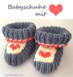 Heute zeige ich euch eine Strickanleitung für Babyschuhe. Ich habe mich in den letzten Monaten durch so einige Anleitungen für Babyschuhe gestrickt. Jetzt habe ich glaube ich endlich mein Lieblingsmodell gefunden, welches ich richtig herzig-süß finde: denn am Ende wird es mit einem Herz bestickt.… Weiterlesen