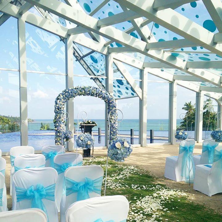 Will you marry me in #lemeridienbali #jimbaran #bali ? @lemeridienbali #JimbaranBay #JimbaranSunset #jimbaranbeach #wedding #couple