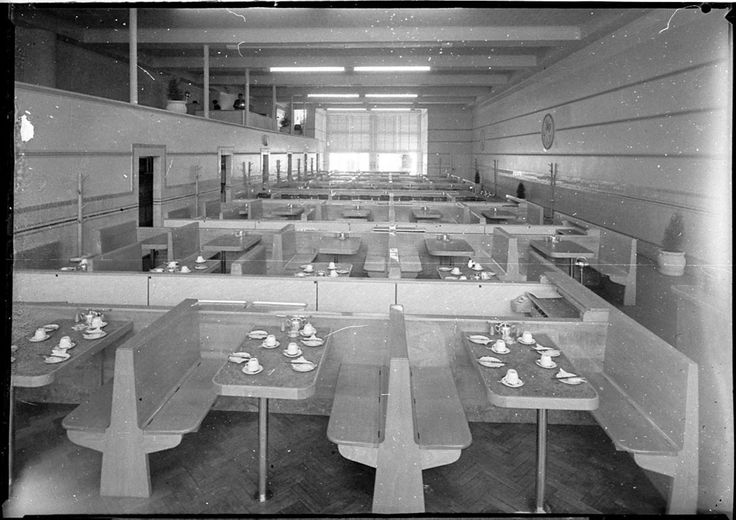 Photograph of Woolworth's cafeteria in Kings Cross taken in May 1940. From the Mitchell Library, State Library of New South Wales : http://www.acmssearch.sl.nsw.gov.au/search/itemDetailPaged.cgi?itemID=27332