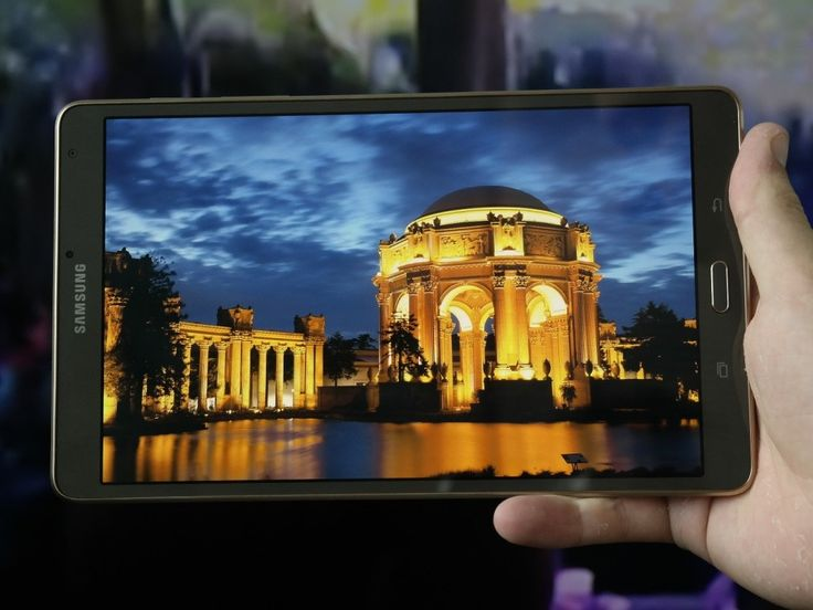 Планшет Samsung Galaxy Tab S2 тоньше, чем Apple iPad Air