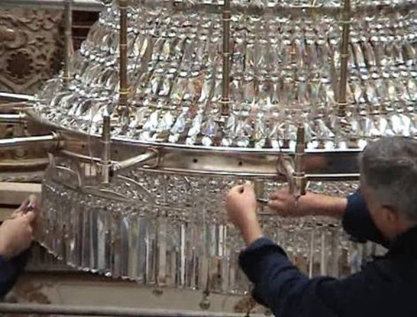 Dolmabahce Palace, Istanbul-- Chandelier maintenance