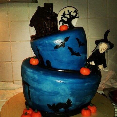 Halloween cake. Halloweentorte. Hexentorte ...