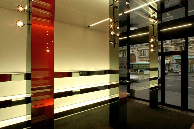 Rivestimento adesivo argento e rosso lucido a specchio per negozio