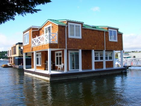 Floating home with single floating platform Floating homes portland