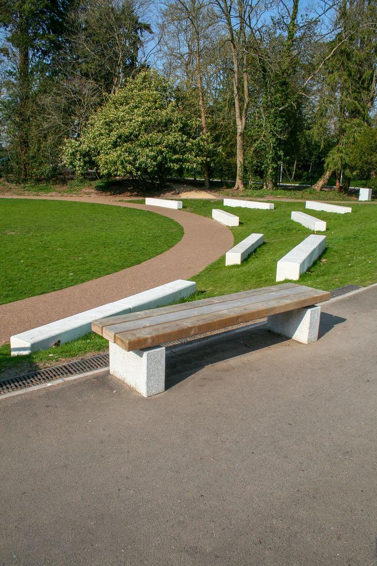 Wren School, Reading Concrete bench, Urban furniture