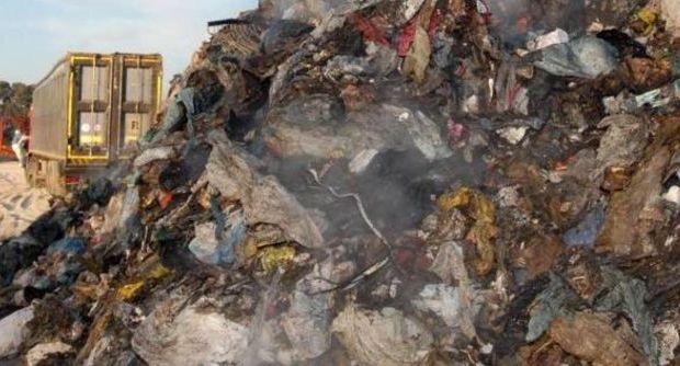 Napoli, rifiuti doro: un circuito di società inesistenti per pompare denaro pubblico