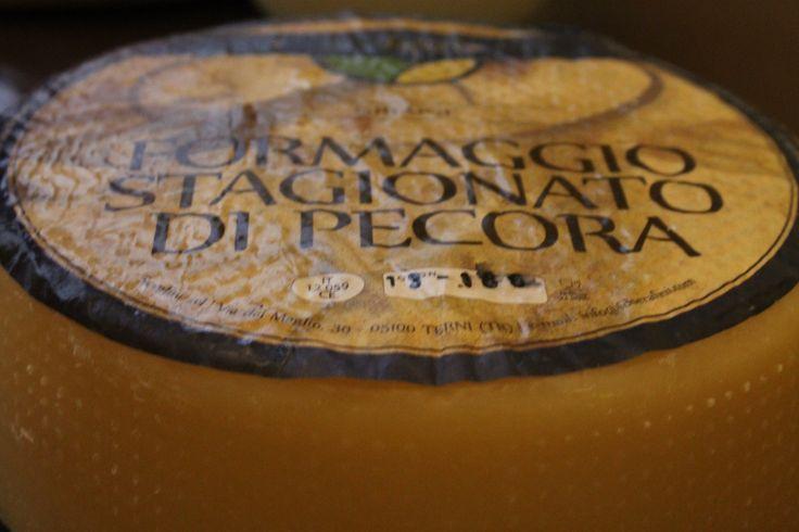 Pecorino Cheese of #Umbria #enogastronomia