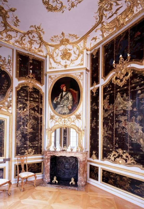 Schloss falkenlust lackkabinett chinoiserie room for Interior designer deutschland