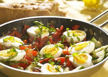 Piperade med æg