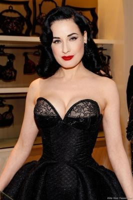 34 best dita von teese images on pinterest alexis mabille fashion show and front row. Black Bedroom Furniture Sets. Home Design Ideas