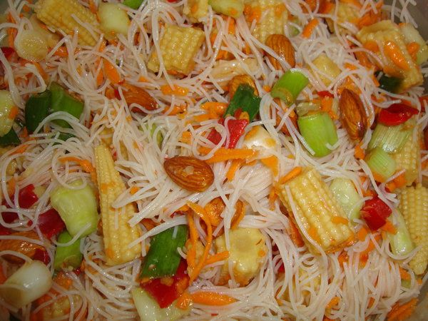 Salata thailandeza - Bucataria cu noroc