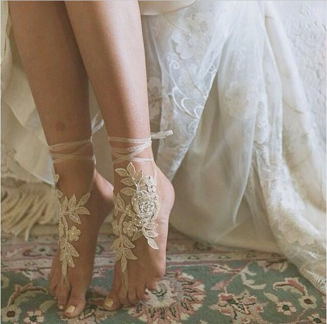Beautiful!! Another twist on elegant wedding shoes (feet accessorise) in LOVE!
