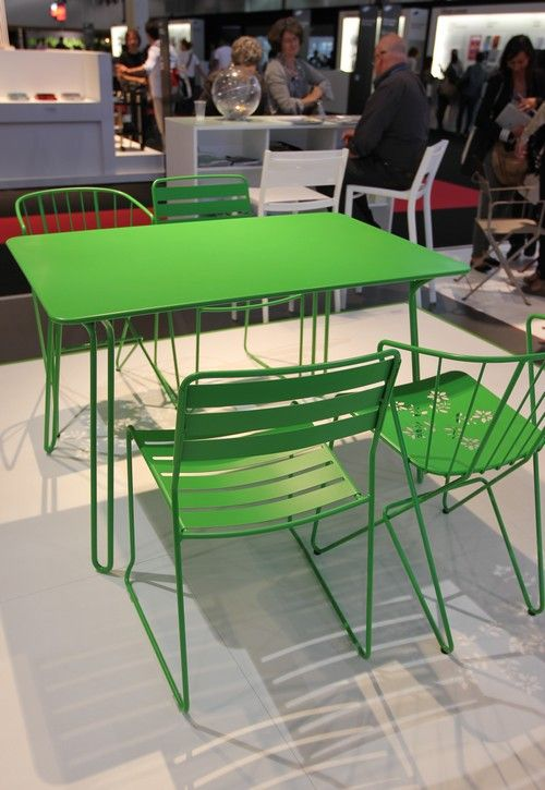 Fermob-Outdoor-Furniture-Mobilier-MO13-table-chaises