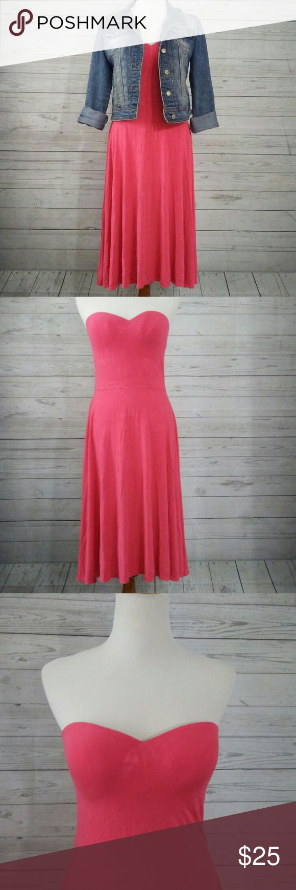 VICTORIA SECRET dress Beautiful tube top dress with built in bra size Coral  36C Gently used in good condition. Victoria's Secret Dresses