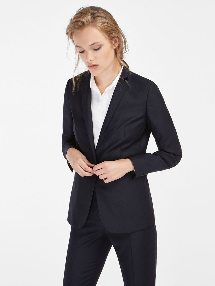 Autumn winter 2016 WOMEN´s PIQUÉ WOOL SUIT BLAZER at Massimo Dutti for 1499. Effortless elegance!