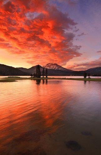 The Renowned's central Oregon HQ // South Sister Under Fire