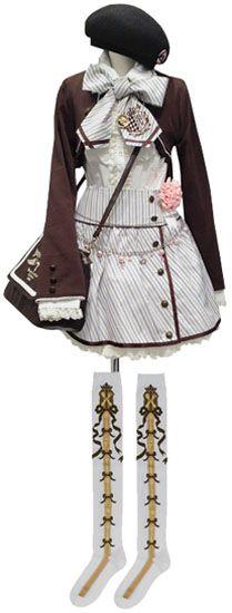 バラベレー帽 2wayボレロ(茶/オフホワイト) フリルブラウス(オフホワイト) 紋章刺繍タイ (オフホワイトストライプ) 紋章ストライプ巻きスカート (オフホワイトストライプ) モチーフ付パールチェーンベルト (ピンク) 刺繍ラインポシェット (茶/オフホワイト) シュガーリボンオーバーニー (白/茶・ベージュ)