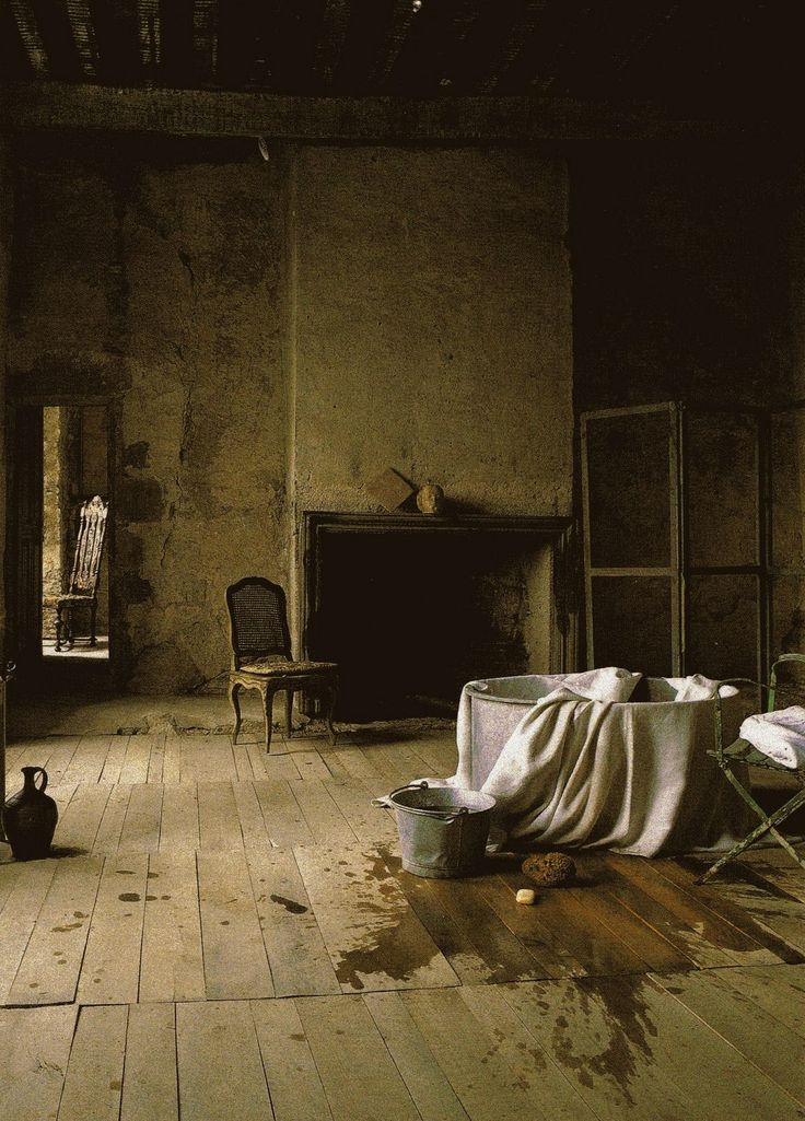 Bath in French farmhouse...: Artists Rooms, Buy A House, French Farmhouse, Laundrymud Rooms, Ivy House, Country House, Creepy Places, Bath Time, Abandoned