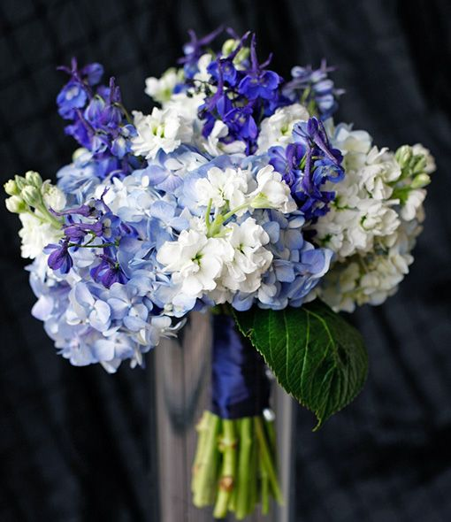 1000 images about floral design on pinterest floral for Flower arrangements with delphinium