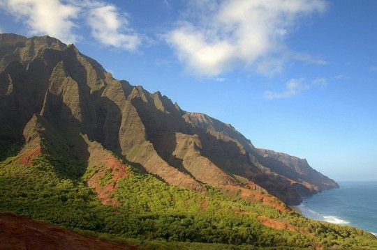A Guide to Hawaii Island Hopping http://travelblog.viator.com/guide-to-hawaii-island-hopping/ #travel