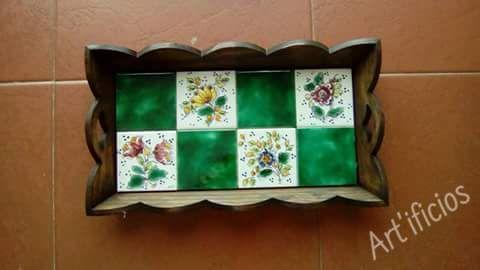 Cris'Art Cristina Marreco Peças de decoração em cerâmica e azulejaria Conheça mais da sua arte e visite a sua página. Tlm: 963363882 / 910921716  Email: cristinapeixinho@live.com.pt https://www.facebook.com/media/set/…