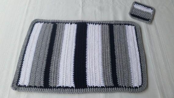 Art deco crochet place mat & coaster sets. Choose your colors. See details at: Etsy.com/shop/GrammysCustomCrochet
