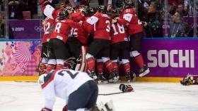 La rivalité entre Équipe Canada et les États-Unis n'est jamais ennuyante, surtout quand ça se passe en hockey sur glace....