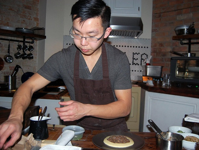 Chef Poon at work.    http://www.postcity.com/Eat-Shop-Do/Eat/March-2012/Chantecler-adds-to-Parkdales-growing-roster-of-restaurants/