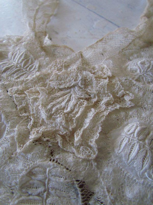 Kanten inzet van jurk / Piece of lace,dress  SOLD