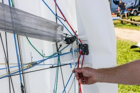 Stevie Brewin's undertramp controls explained | International A-Division Catamaran Association