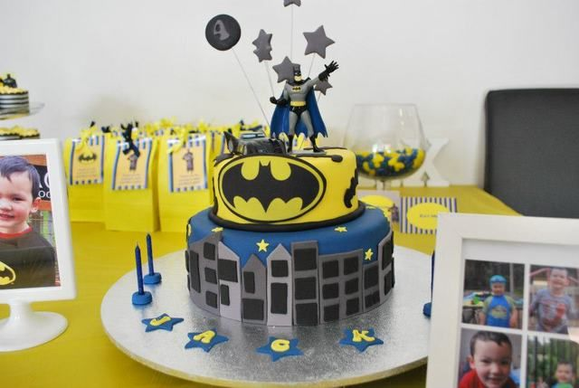 Batman party - Jack 4 and Max 1 | CatchMyParty.com