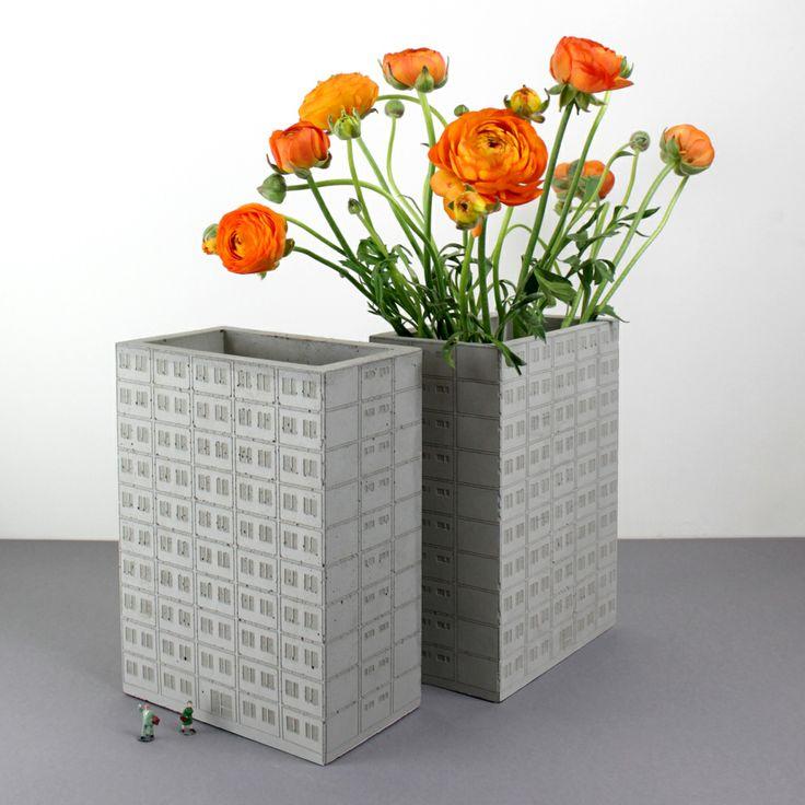 WBS 70 Plattenbauvase aus Beton Plattenbau, Design, Vase