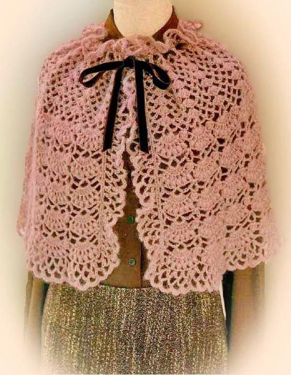 Stylish Easy Crochet: Cape Pattern For Women - Classic http://easy-crochet.blogspot.be/2013/12/crochet-cape-pattern-for-women-classic.html