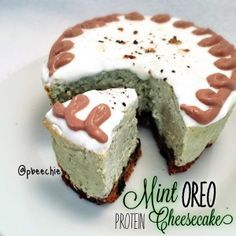 Mint Oreo Protein Cheesecake--uses cookies and cream bar and mint choc chip protein powder Nutritional info for 1 slice: 148 calories; 5 g fat, 11 g carbs (5 g fiber), and 18 g protein