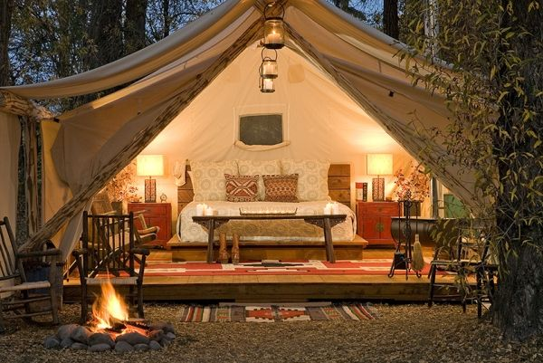 glamping Camping holiday comfort luxuszelt air conditioning establishment of Glamping or glamorous Camping holiday in luxurious Safari tents...