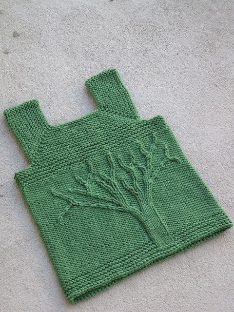 Ravelry: Cable Tree (Top Down) Small pattern by Kate Gondwana