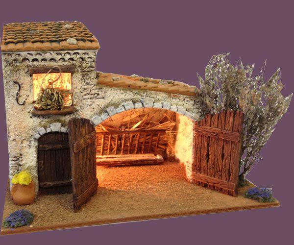 Santons Atelier de Fanny-Santons et Crèches de Noël-Santons de Provence - Etable toit cassé - 59.00 EUR