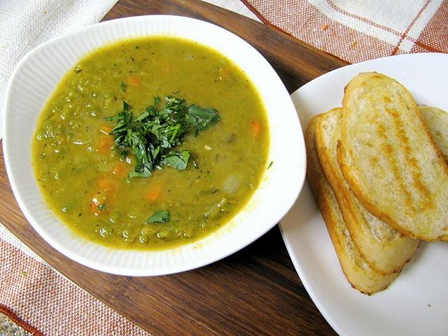 split pea soup: Peas Soups, Toast Olives, Pea Soup, Olives Oil, Olive Oils, Scatter Cooking, Garlic Breads, Recipes, Split Peas
