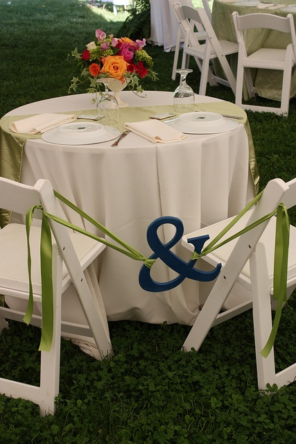 Gentil Love This For The Bride And Groom Table At A Reception